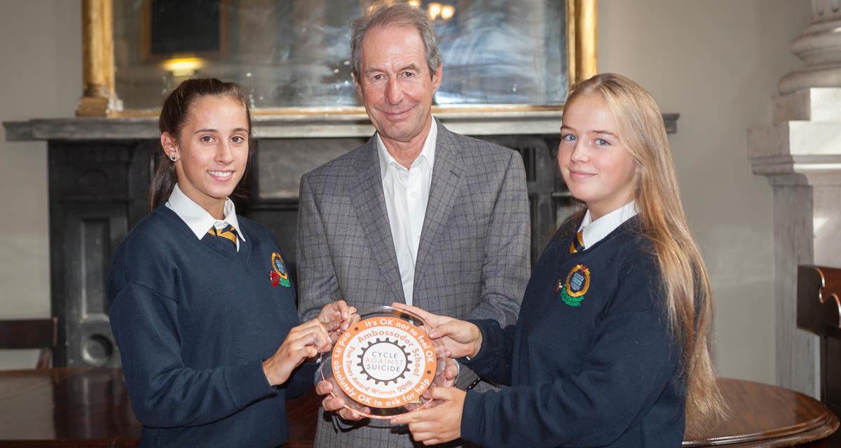 Coláiste Bríde receives Cycle Against Suicide Ambassador School Award