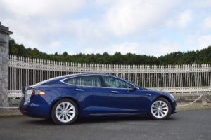 Newsgroup Motoring Tesla