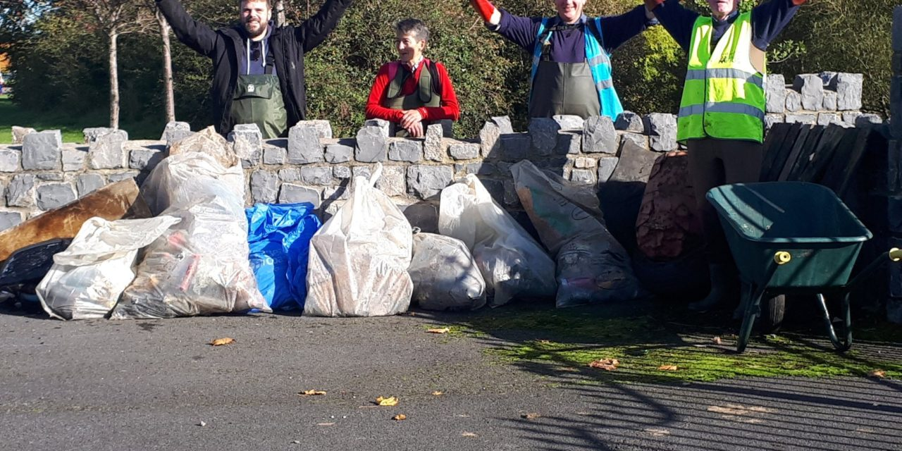 Dodder Valley Litter Mugs October Clean Up