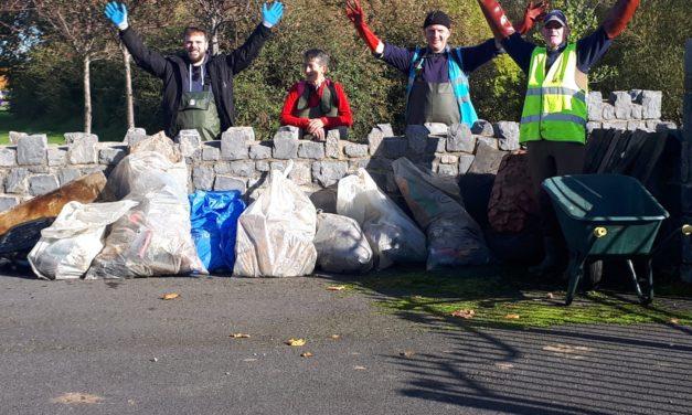 Dodder Valley Litter Mugs October Clean Up