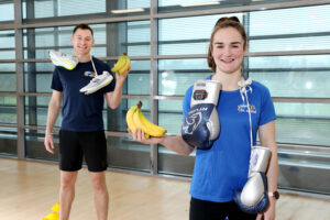 GILLICK AND HARRINGTON DRAW 70,000 TO FYFFES CHILDREN'S FITNESS PROGRAMME